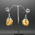 Boucles-oreilles-capsule-jaune